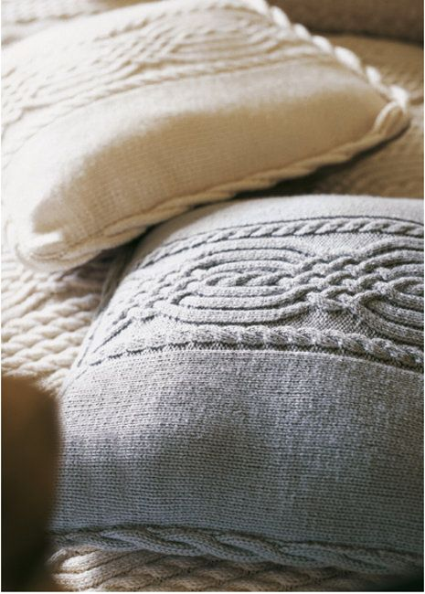 Free Knitting Pattern Cushion Dk : 17 Best images about Free Patterns: Home on Pinterest Butterfly cushion, Cu...