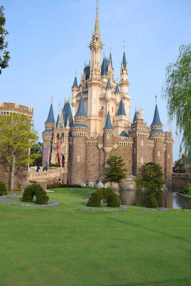 Tokyo Disneyland Cinderella castle.