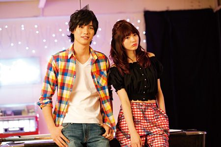 7月12日から全国で公開される川口春奈と福士蒼汰が主演の映画『好きっていいなよ。』から場面写真が公開された。  同作は月刊漫画誌『デザート』で…