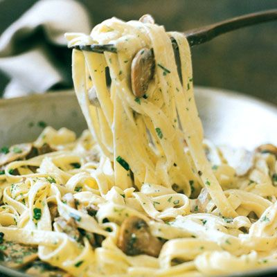 Fettuccine with Mushrooms, Tarragon, and Goat-Cheese Sauce #vegetarian #nocooksauce