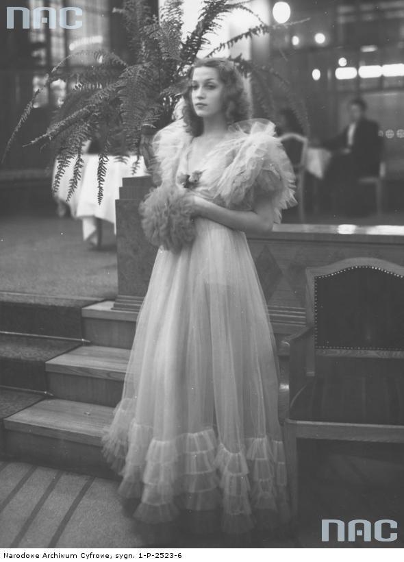 Tamara Wiszniewska, 1937.