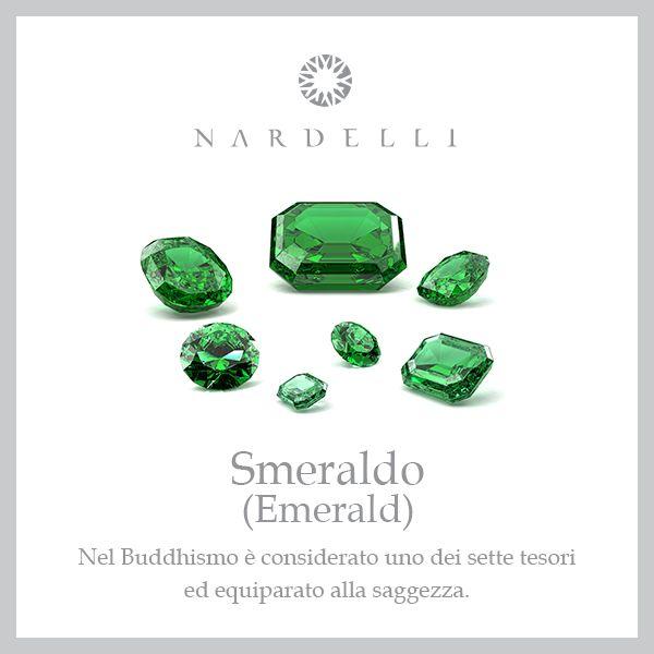 Lo #smeraldo è la pietra del successo e dell'abbondanza. Regalarla è un segno d'amore, di sincerità e fedeltà.