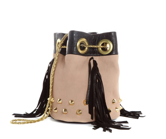 Delphine Delafon http://www.vogue.fr/mode/shopping/diaporama/il-etait-une-fois-dans-l-ouest/10592/image/644842#delphine-delafon