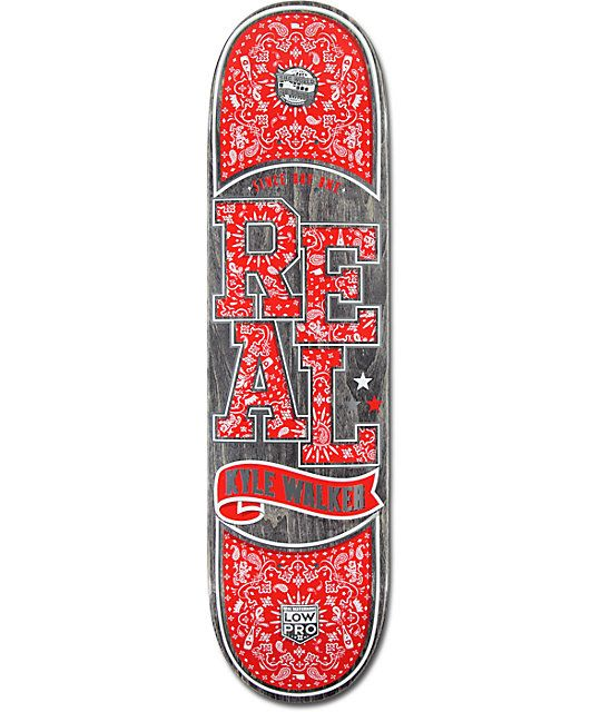 Get more control and strength thanks to a Low Pro II construction that drops your center of gravity for quicker longer lasting pop and a stylish red paisley bandana print Kyle Walker Real logo graphic.