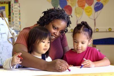 Cualidades personales que tiene un profesional de primera infancia | eHow en Español