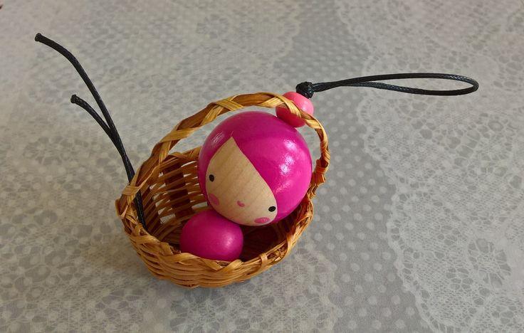 Jen+tak+růžově+přívěšek+z+dřevěných+korálků+ručně+malovaný+na+kroužku+na+klíče+délka+všech+korálků+4,5+cm