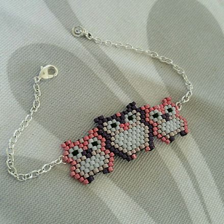 Bracelet chouette réalisé à la main avec des perles miyuki delicas. C'est un modèle personnalisable, si vous souhaitez modifier les couleurs, n'hésitez pas à me contacter - 17355727