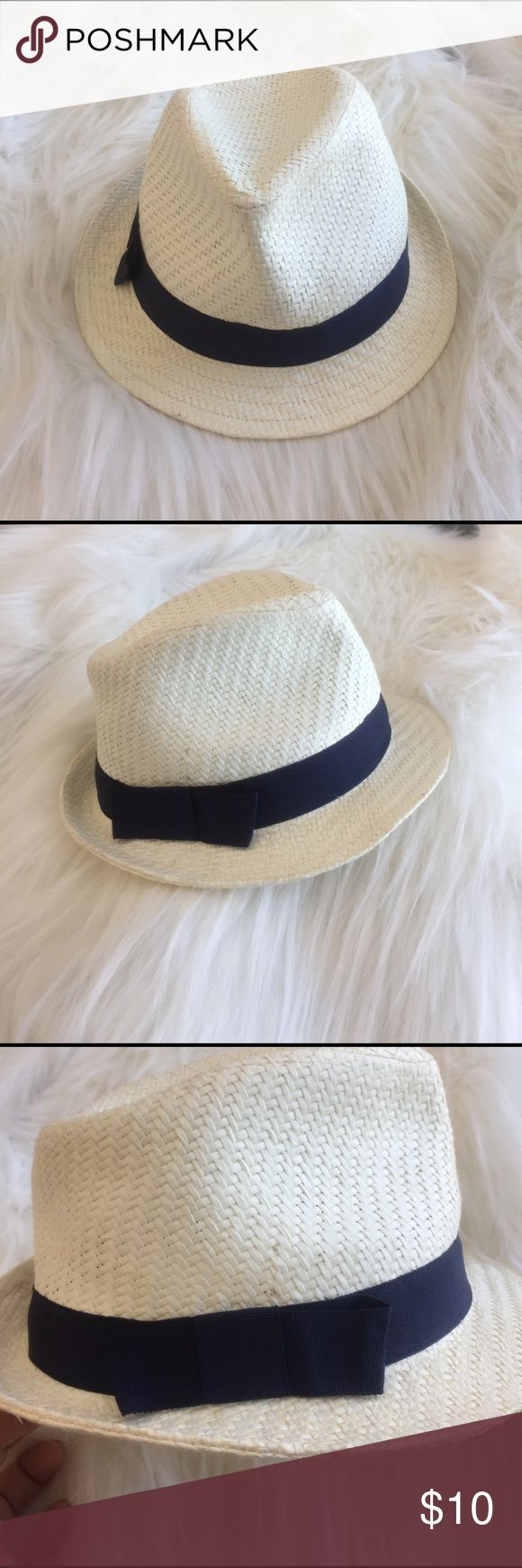 Gymboree white fedora hat White with navy blue band, size 2T- 3T, 19.5' round measured the blue inside band. Gymboree Accessories Hats