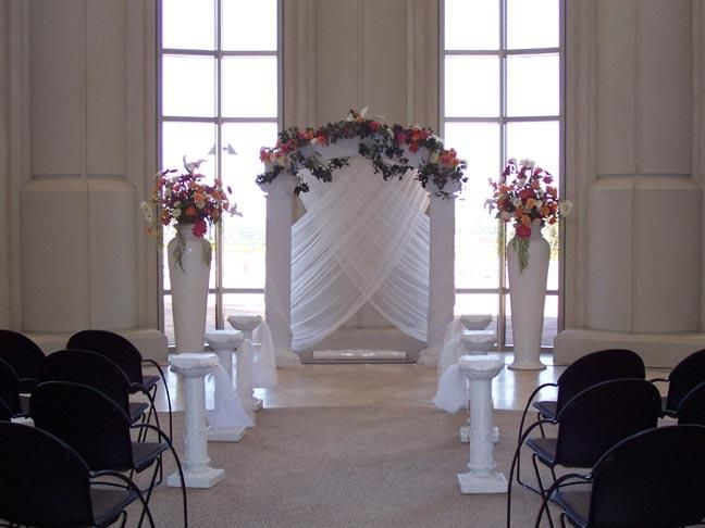 These Indoor Ceremony Backdrops Will Make You Pray For: PILLARS COLUMNS GAZEBOS On