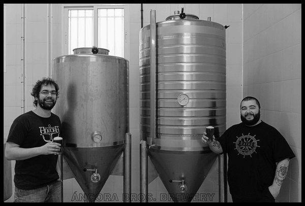 #ALIMENTACION #CERVEZA #CROWDFUNDING Áncora Bros. Brewery buscamos financiación para incorporar a nuestra fábrica de Cerveza Artesanal un fermentador tronco-cónico con camisa de refrigeración. Si lo logramos repartiremos la birra elaborada en él a todos los que habéis apoyado esta iniciativa. http://www.verkami.com/projects/8028-en-busca-del-fermentador-perdido Crowdfunding verkami