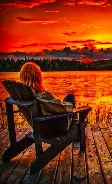 The end of a perfect day at Algonquin Provincial Park in central Ontario, Canada •