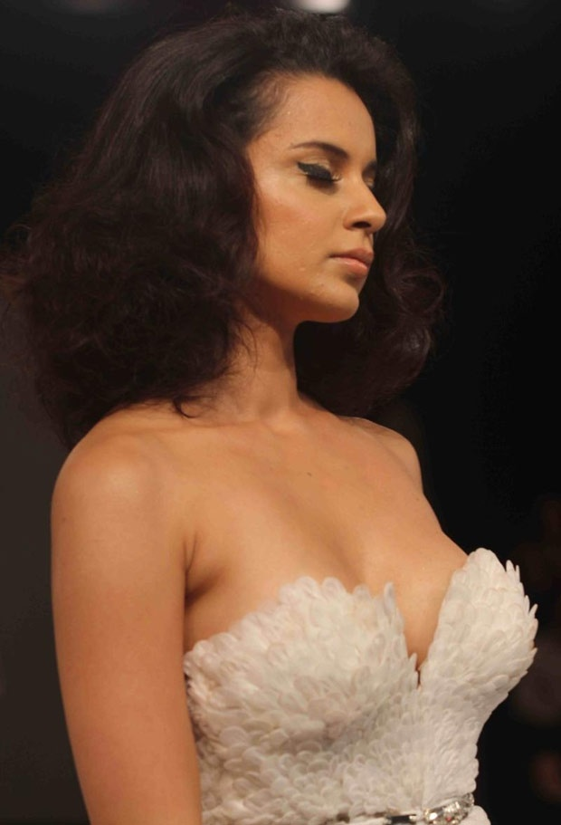 Kangna Ranaut Walks The ramp For Fashion designer Gavin Miguel During the Belenders Pride Fashion Tour 2012