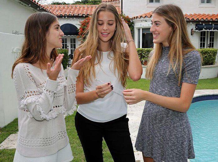 Des lycéennes américaines ont eu l'idée d'inventer une paille détectant la drogue du viol...C'est brillant !