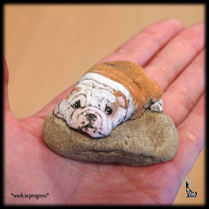 イングリッシュブルドッグの仔犬、制作中。 My next work in progress. it's English bulldog puppy! #stoneart #stonepainting #rockart #rockpainting #drawing #painting #art #fineart #akie #dog #bulldog #puppy #workinprogress #ブルドッグ #englishbulldog #イングリッシュブルドッグ