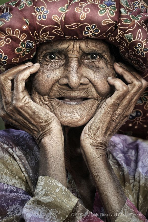 Wise one, old lady, hands, lines of life, a face that have lived with many stories to tell, beauty, intense eyes, portrait, photo