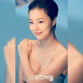 Adorably sexy moon #moonchaewon