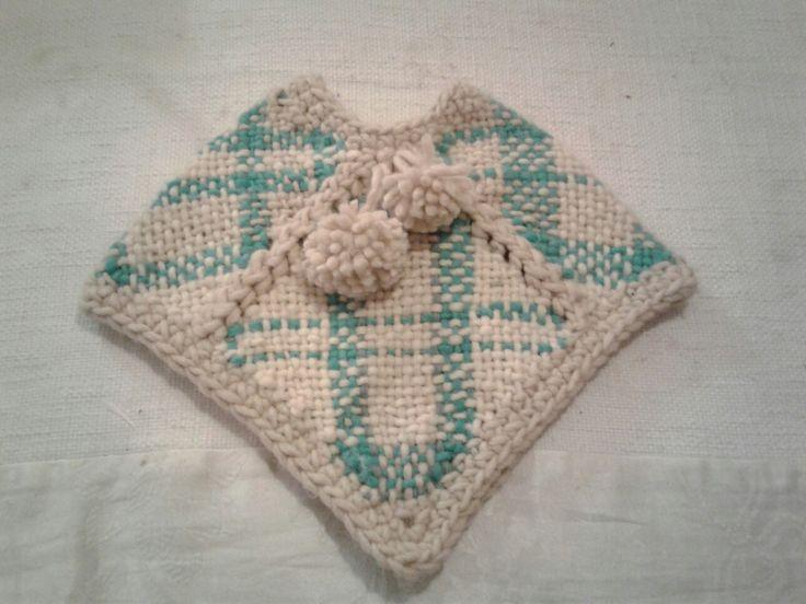 Ponchito para bebé en telar cuadrado