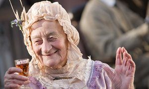 RIP Liz Smith, The Royle Family actor, dies aged 95 | Television & radio | The Guardian