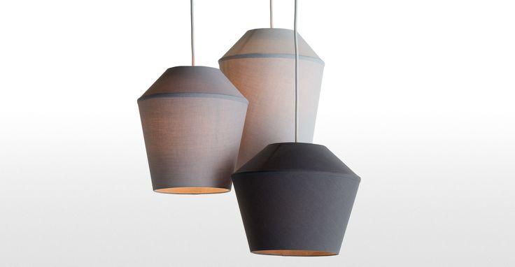 Die Tuli Hängelampe in Grau sorgt überall für warmes Licht und gibt dem Raum ein elegantes Flair.