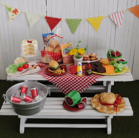Miniature Picnic Scene by LittleThingsByAnna  (inspiration only)