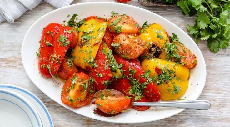 Салат из жареных овощей с пряностями