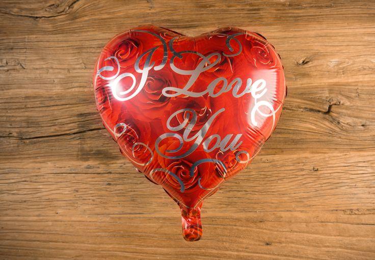 Globo Metálico de Rosas Color Rojo y Rosas - LOVERSpack. Con este globo crearas la atmósfera que tanto estás buscando crear para esa ocasión especial, aniversario, cumpleaños, boda o simplemente sorprendera a tu pareja. #decoracióncumpleaños #decoraciónaniversario #decoraciónboda #sorprenderamipareja #regalosoriginales #globos #decorarhabitaciónromántica #nocheromántica #parejas #regalos #sorpresas #LOVERSpack