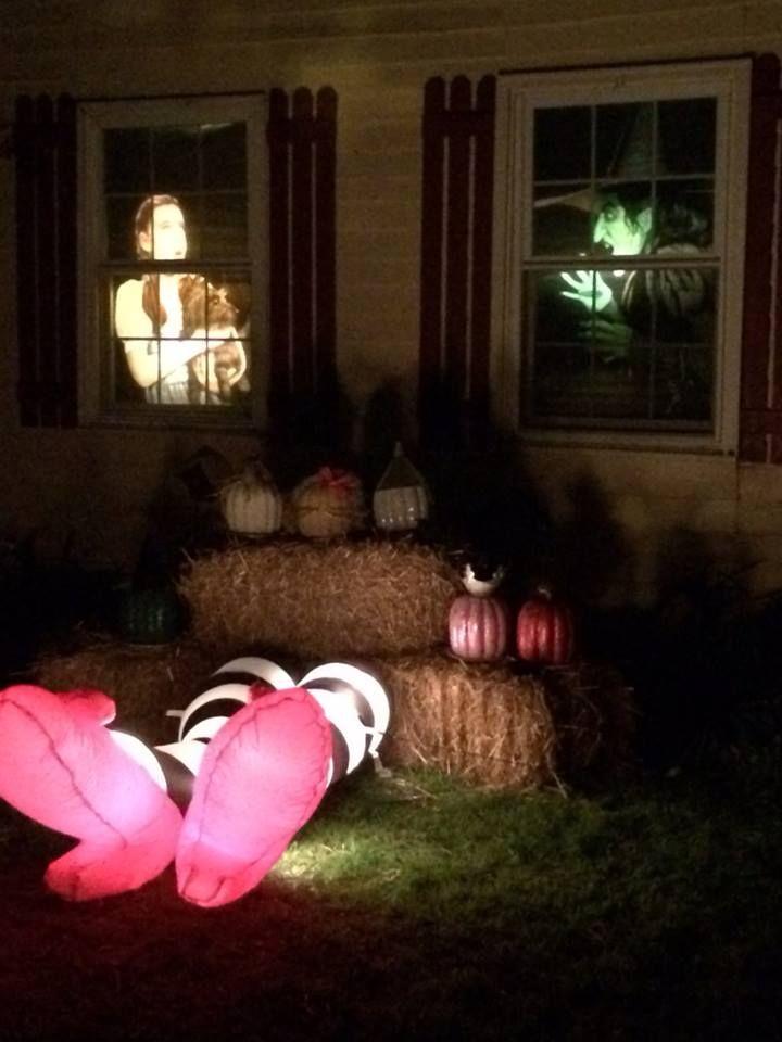Part of my 2014 Wizard of Oz Halloween decor - Michelle