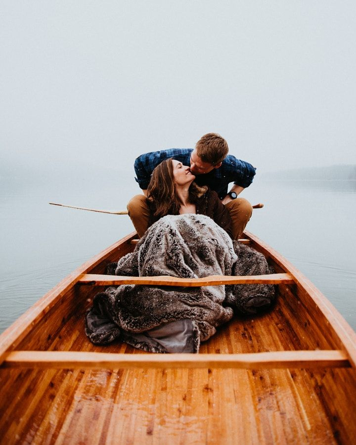 Lovers that build a canoe together, stay together. It took them 10 months to build this canoe. by Berty Mandagie - Photo 199891013 / 500px