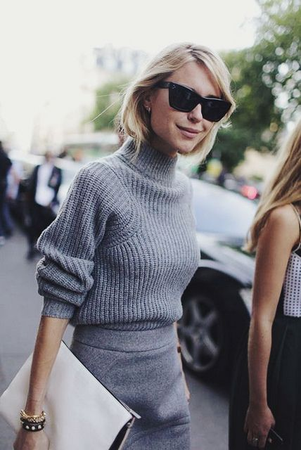 fashion inspiration-grey #fashion #trends #look #outfit #streetstyle #greyoutfit #clutch #style