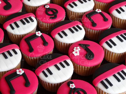 Idea S For Decorating Cakes With Fondant Musical Theme