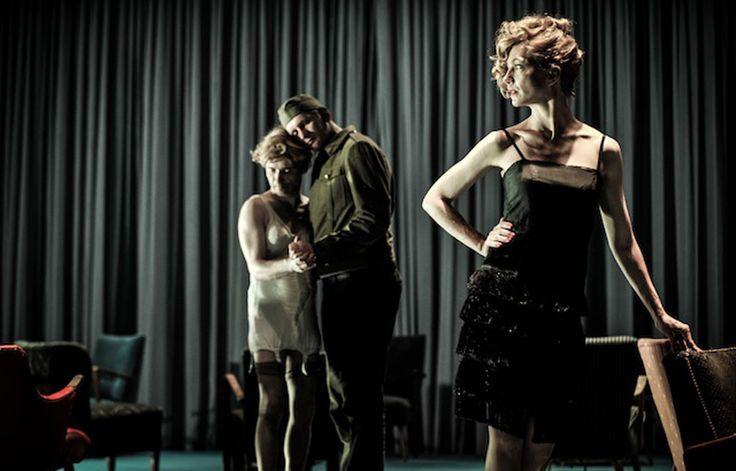 AvantRichard III à Avignon, Thomas Ostermeier présente à Paris son adaptation à la scène du film de Fassbinder. Magnifique.