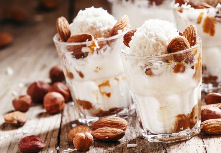 Kokosovo-mandlová zmrzlina (z kokosového mléka)