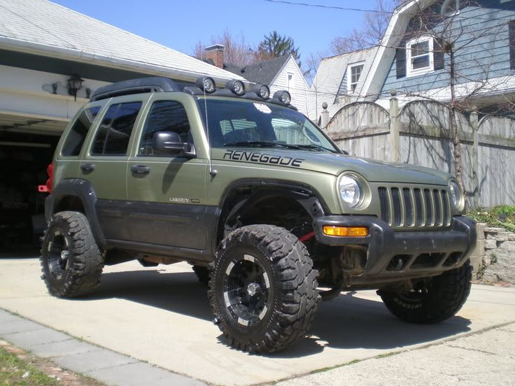 Lifted 2005 Liberty   some updated pics of swmpthg 5.5 inch lift