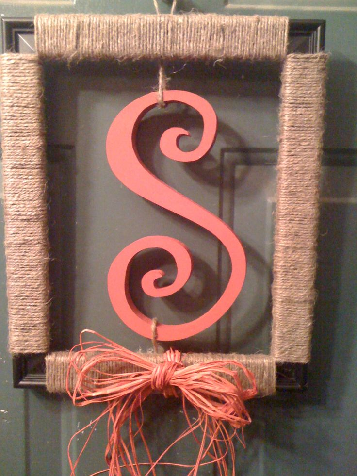 Red S Picture Frame Quot Wreath Quot Door Hanger Used A Dollar