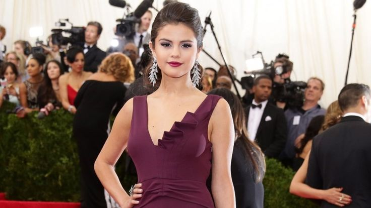 Selena and her new tat