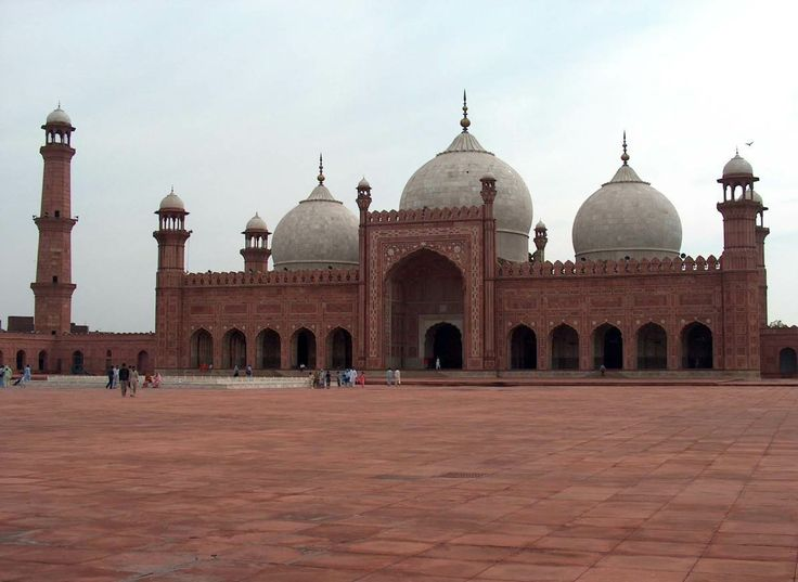 Badshahi Mosque, Lahore, Pakistan http://www.acenature.com/most-beautiful-mosques-in-the-world/
