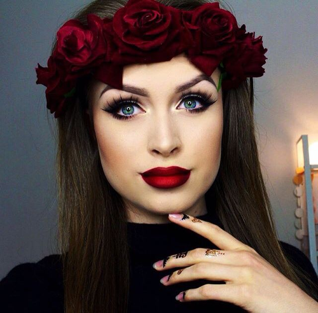 Big eyes and red ombre lips // Fall makeup tutorial - Laura Leth