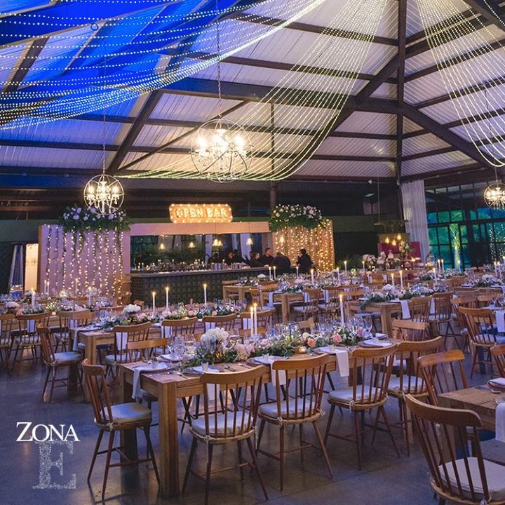#CasaBali escenario que se transforma con la luz del atardecer y el caer de la noche, para crear atmósferas cambiantes y deslumbrantes cargadas de emoción.