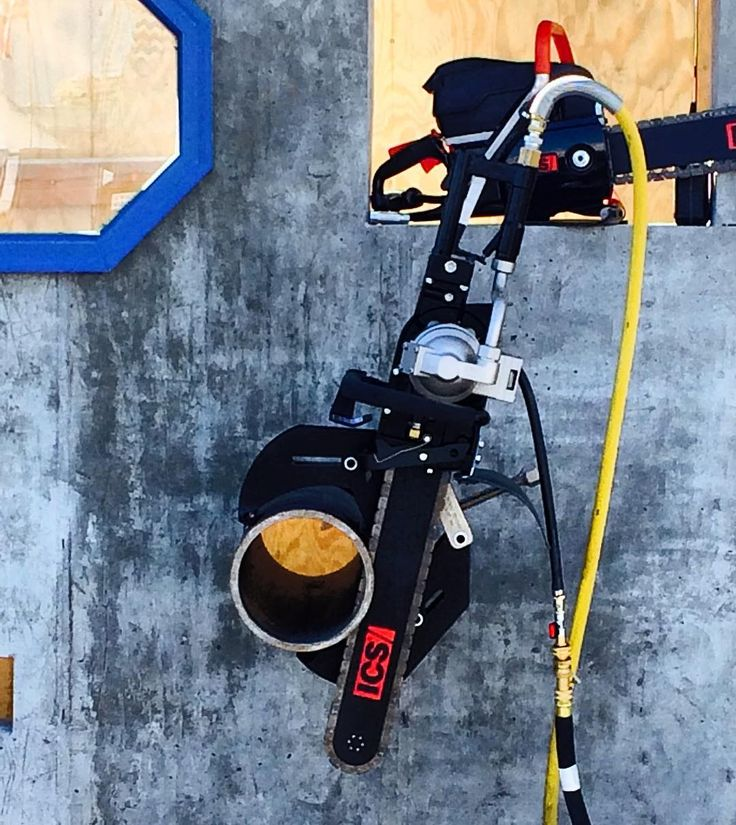 Cutting pipe? Apparently Hydraulic Chainsaws can slice those up too! #hydraulic #chainsaw #chainsaws #pipecutter #metalcutting #concrete #saw #cooltool #woc2016 #worldofconcrete #worldofconcrete2016 #vegas #vegasstrip #newtool #newtools #tool #tools #toolporn @realtoolreviews