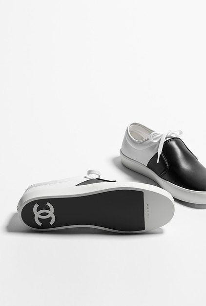 Trainers, fabric & calfskin-white & black - CHANEL