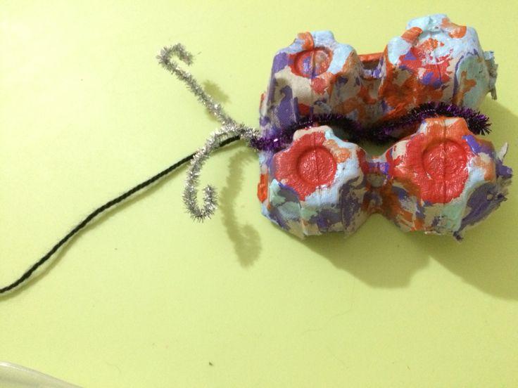 Çınarın boyadığı benimde kesip şekil verdiğim yumurta kolisinden yaptığımız kelebeğimiz