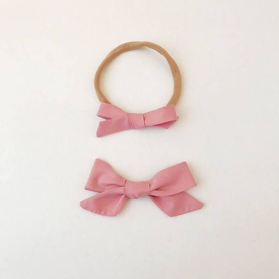 Dusty Rose Bow, Valentines bow, Baby Headbands, Toddler Clips, Baby Bows, Bows, Hair Bows, Newborn Headband, Baby Girl Headband, Hair Clips This beautiful hair bow is made of fabric from the Rifle Paper Co menagerie series. Lovely weight, saturated colours, and sparkling gold! Our nylon