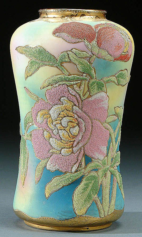 641 Best Jugs And Vases Etc Images On Pinterest Hand Painted Ceramic Pottery And Clarice Cliff