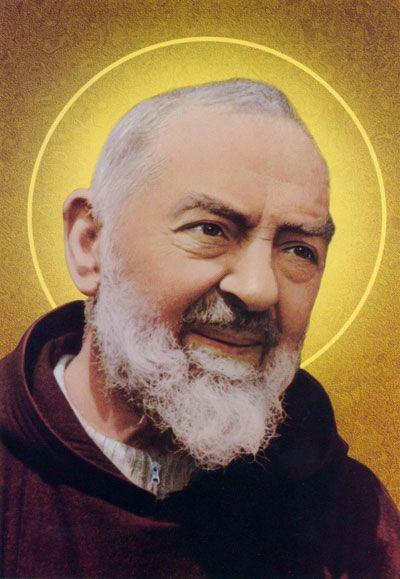 Santo Padre Pío de Pietrelcina. Italiano. Su día: 23 de septiembre. El amor te llevó a preocuparte por los enfermos, a atraer a los pecadores, a vivir profundamente el misterio de la Eucaristía y del perdón.
