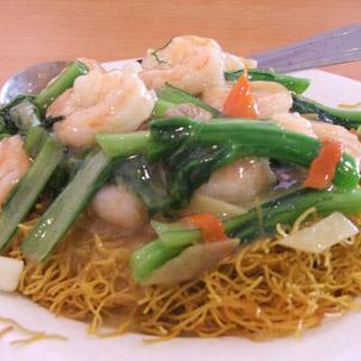 A Cantonese chef -- my roommate-- gave me this recipe that I translated into English. It's pan-fried egg noodles (crispy brown in places) topped with ...