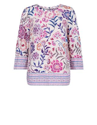 An explosion of beautiful blooms, our Milly printed t-shirt showcases a palette of pinks, purples and blues. Perfect for styling with your downtime denim or ...