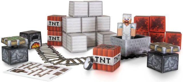 Minecraft Campo di Gioco - Ambiente Miniera Per costruire il campo di gioco di #Minecraft con pochi gesti, sono disponibili diverse ambientazioni, tutte da montare. In questo pack potrai costruire con 48 diversi blocchi l'ambiente della miniera. Il set è in cartone rigido e facilmente assemblabile.