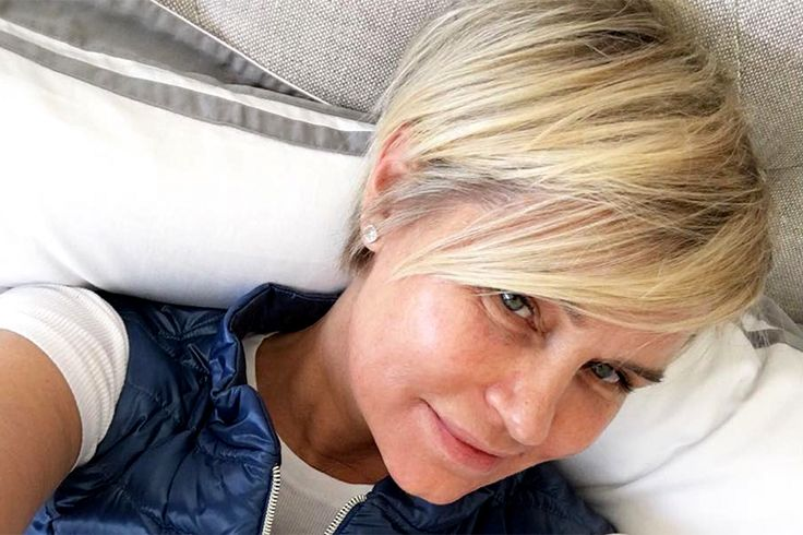 """Yolanda Foster Gets a Fresh Start with a New Short Haircut - Days after kicking off her weeklong detox, Yolanda Foster has decided to refresh her outer appearance as well.The Real Housewives of Beverly Hillsmom debuted a new, short haircut on Instagram Wednesday. """"New Day, New Haircut and Life from the side lines is still a blessing....... #HappySelfie#InvisibleDisease#awareness,"""" Yolanda wrote."""