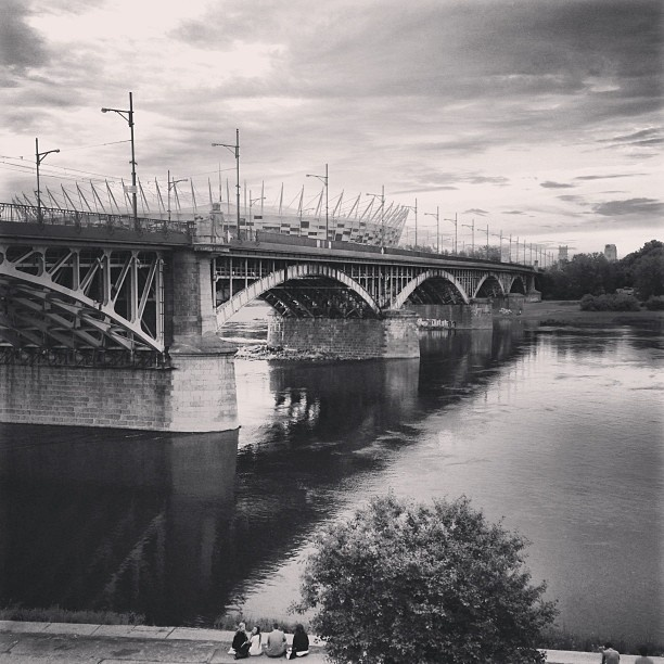 Found on Starpin. #river #warsaw #wisła #mostponiatowskiego