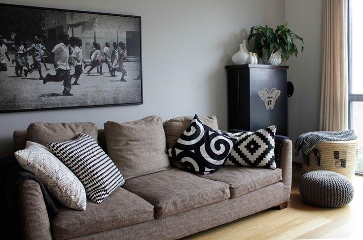 Trendy woonkamer met Afrikaanse invloeden